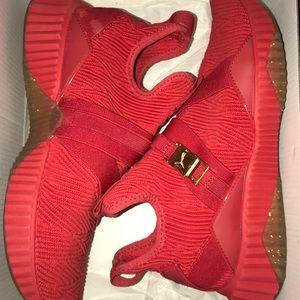Red Mid Varsity Puma Sneakers